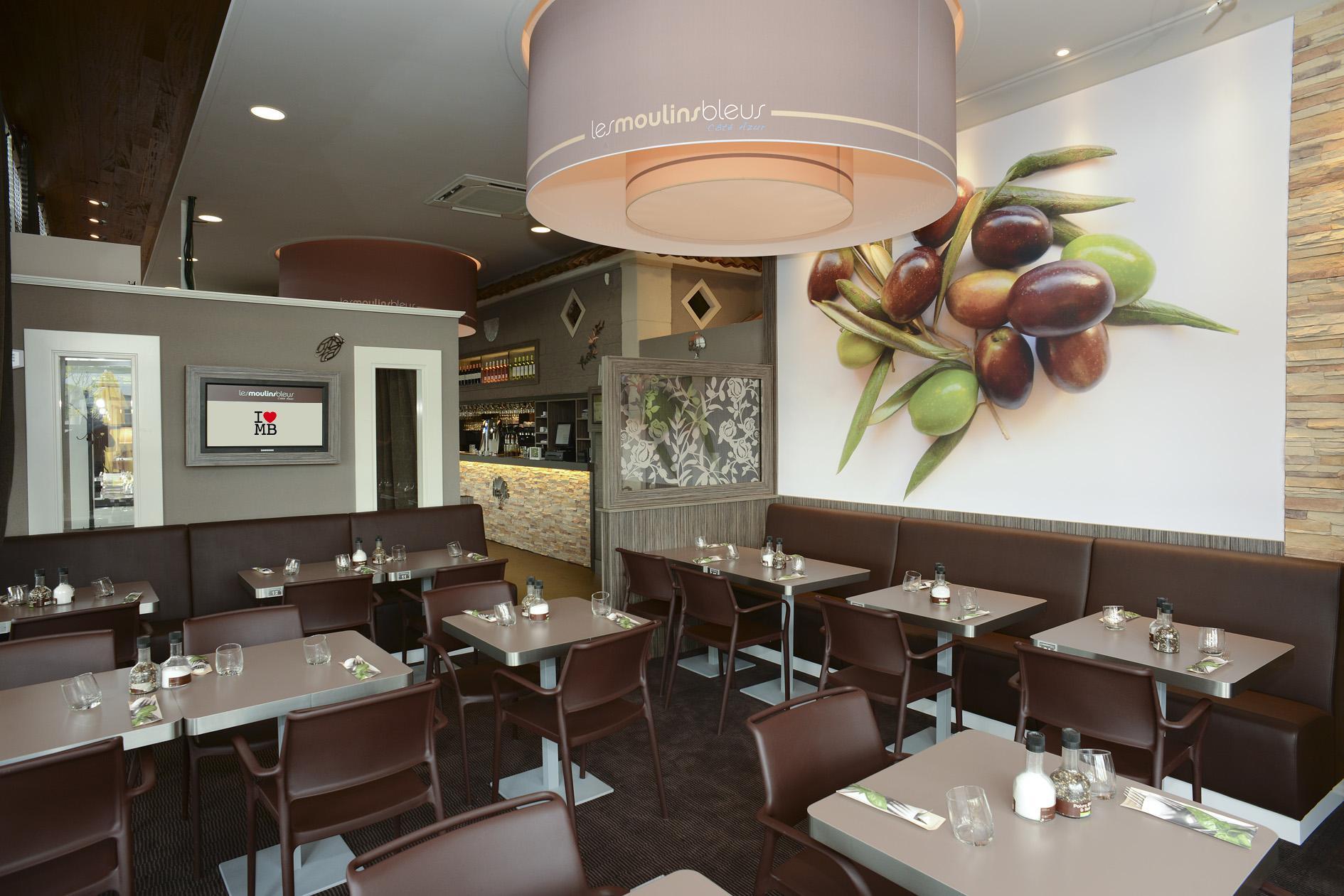 LES MOULINS BLEUS- Brasserie