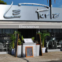 La perla romana restaurant m diterran enne saint - Restaurant port de saint laurent du var ...